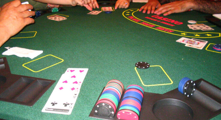Why Is Online Poker Considered A Better Option For The Players? | E Poker  888